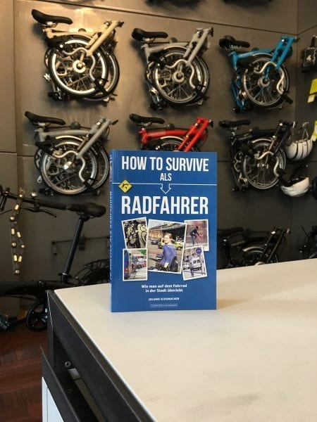 Faltrad Presse Radelmädchen how to survive as Radfahrer in Berlin